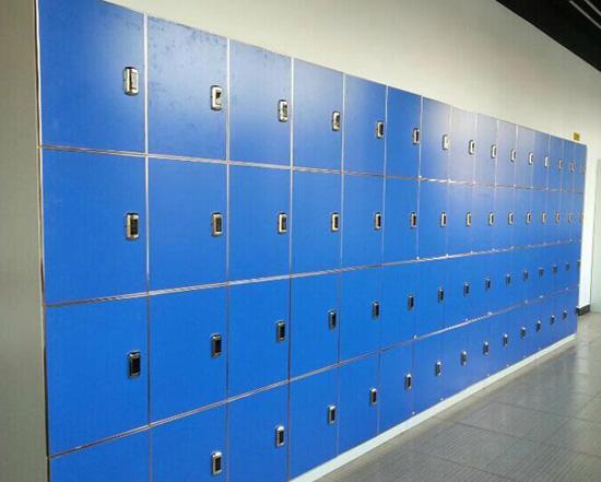 学校储物柜应用万博manbetx官网手机版锁具案例